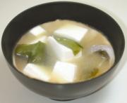 わかめと豆腐味噌汁